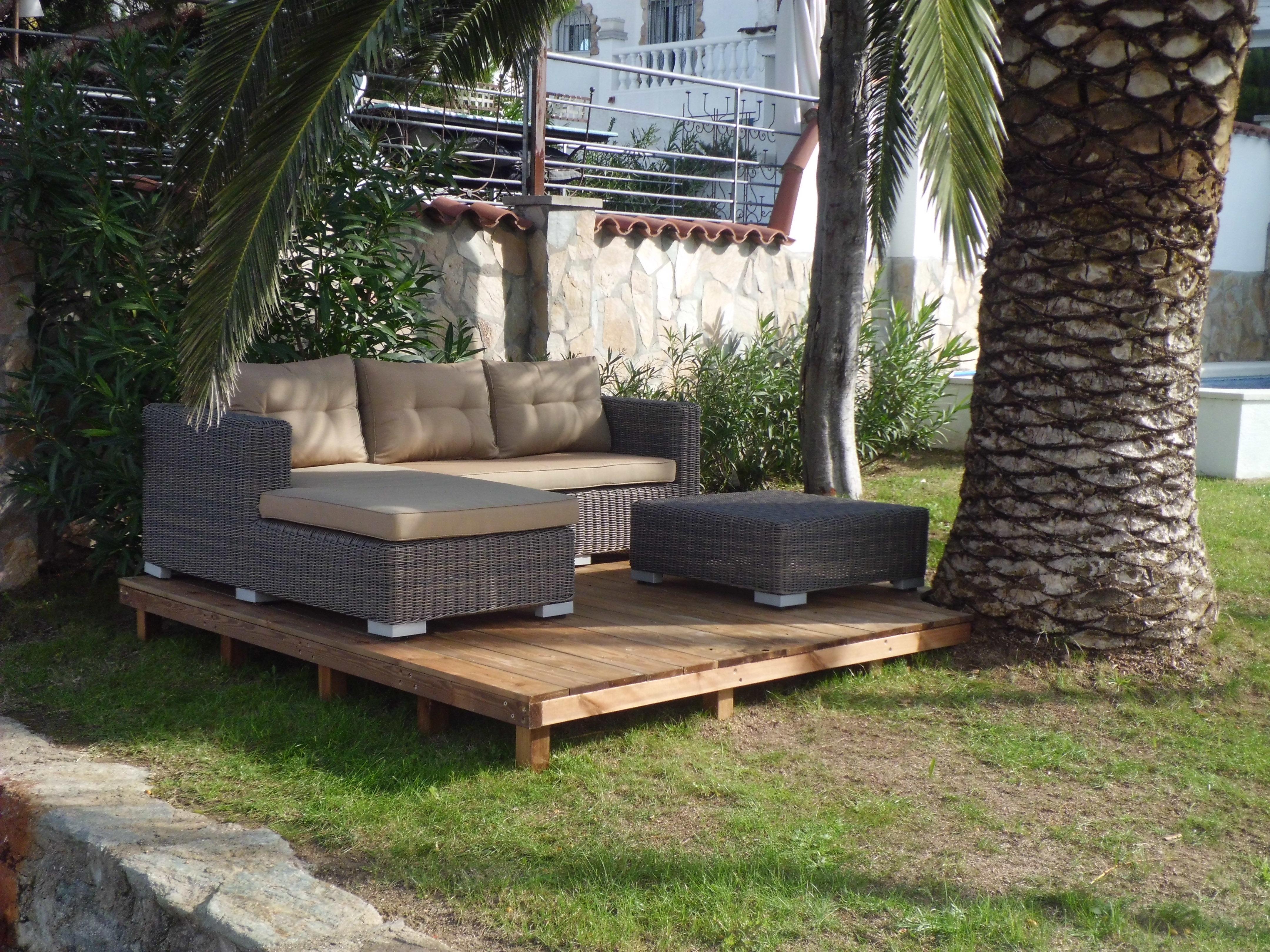 Houten terras met lounge zithoek villa ebre - Een terras aan het plannen ...